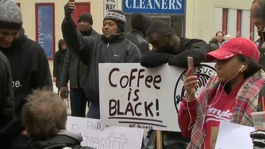 Accuse di razzismo contro Starbucks