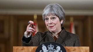 Departamentos do governo de Theresa May podem vir a ser alvos russos