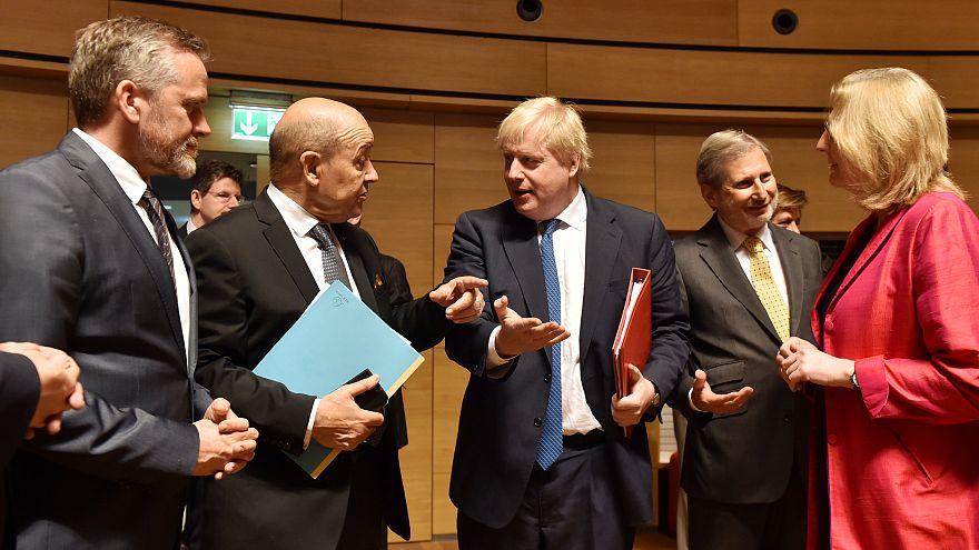 Совет ЕС обсуждает ситуацию в Сирии