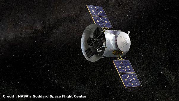 Gerade einmal so groß wie ein Keiderschrank: Das Weltraumteleskop TESS