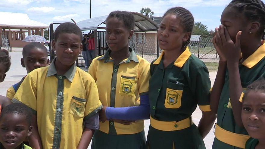 Angolanos cruzam fronteira para estudar