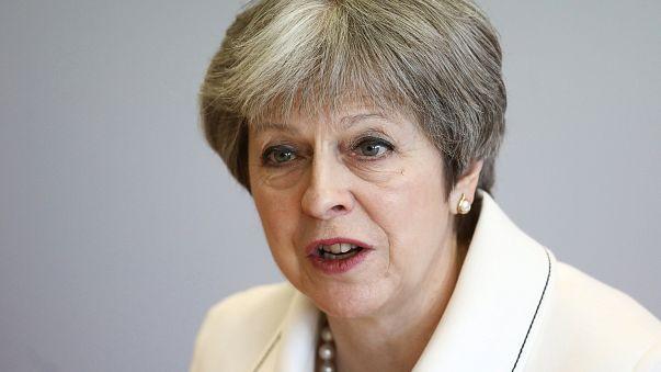 """Attacco in Siria, Theresa May: """"Non abbiamo avuto altra scelta"""""""