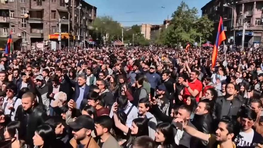 Ermenistan'da Sarkisyan'a karşı süresiz protestolar başlatıldı