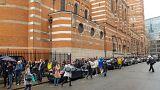 A Londonban szavazáshoz sorbanállók