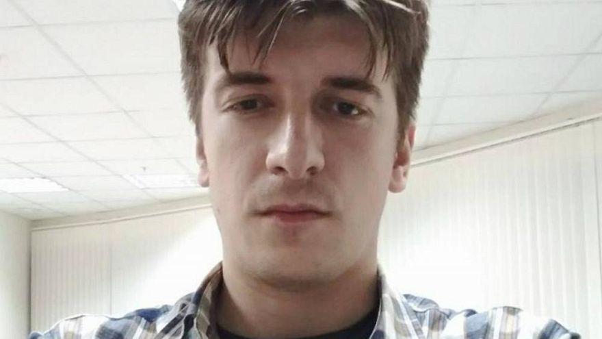 Un periodista ruso muere al caerse por la ventana de su apartamento