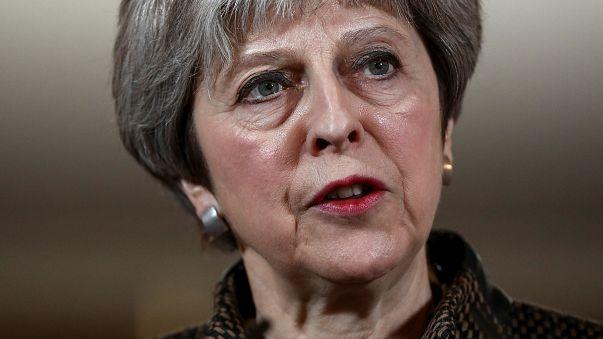 May defiende ante el Parlamento la intervención en Siria