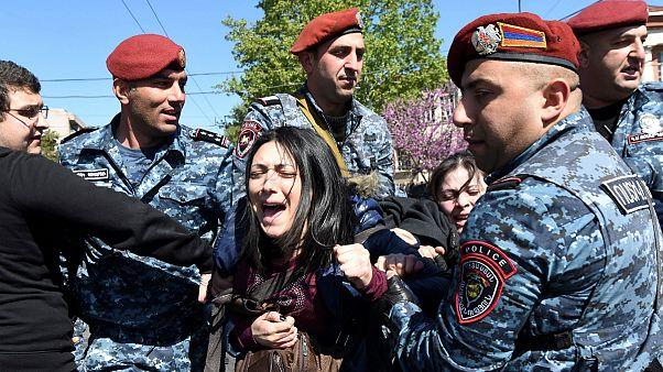 ناآرامی در ارمنستان؛ درگیری پلیس با معترضان به خشونت کشیده شد