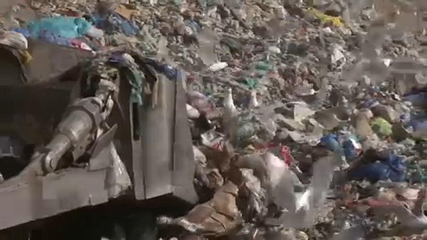 Δημιουργήθηκε ένζυμο που «τρώει» πλαστικό