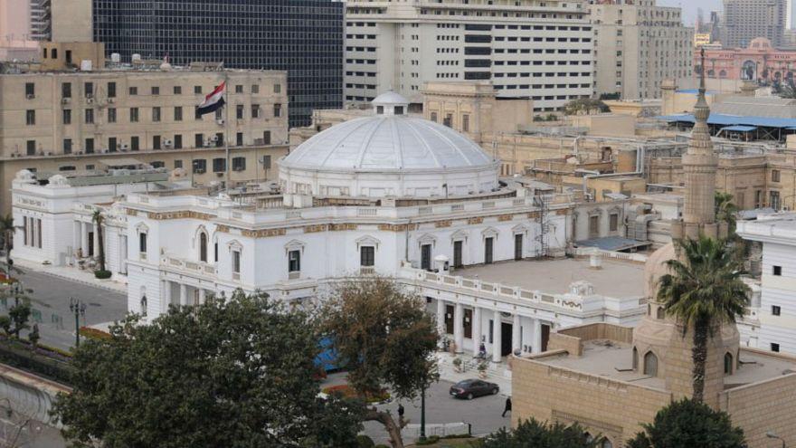 """مجلس النواب المصري يصادق على قانون لمصادرة أموال """"الجماعات الإرهابية"""""""