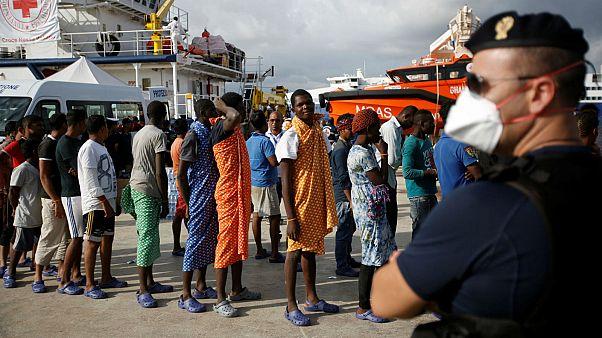 Υπερβολικοί οι Ευρωπαίοι πολίτες για τον αριθμό των μεταναστών στις χώρες τους