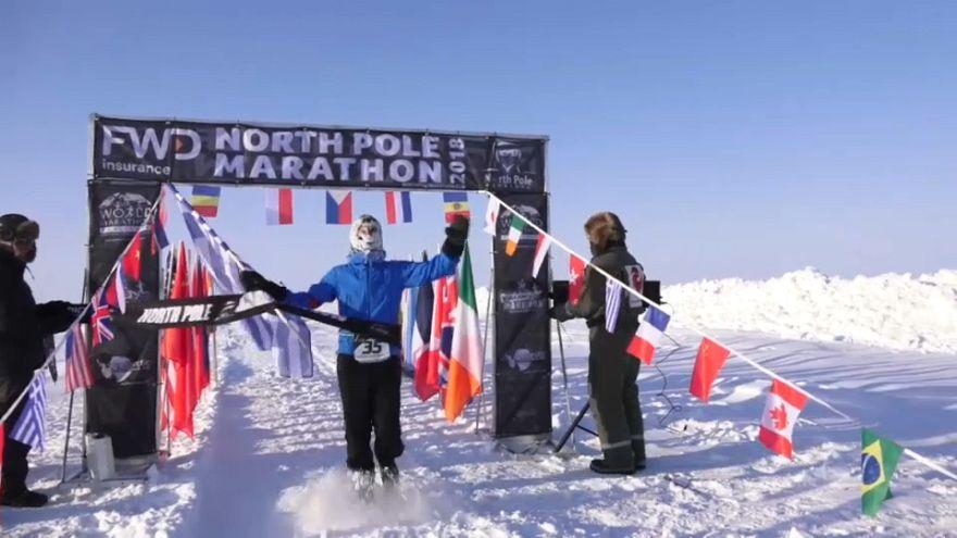 Atletas desafiam temperaturas negativas na Maratona do Polo Norte