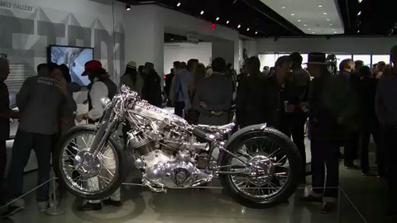 Les motos customisées s'exposent à Los Angeles