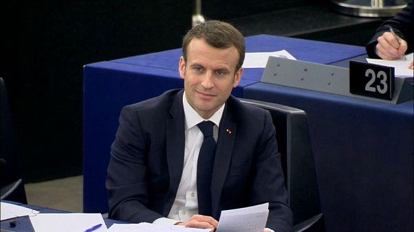 Macron criticado em Estrasburgo pelo ataque à Síria