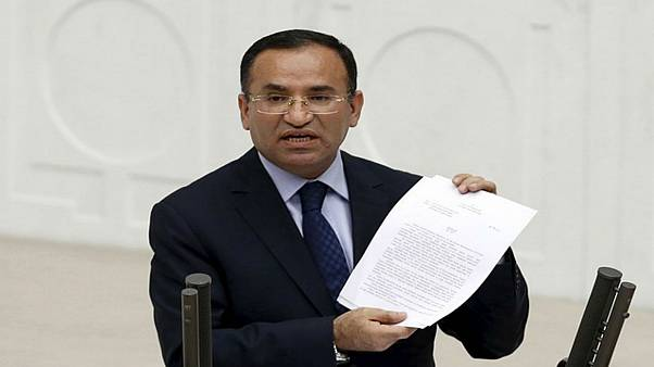 أنقرة تتهم اليونان بانتهاك القانون الدولي لعدم تسليمها عسكريين أتراك مؤيدين للانقلاب