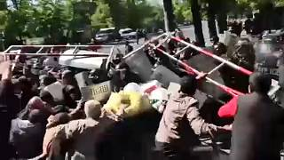 Tüntetések, összecsapások Jerevánban