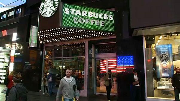 Tréning a Starbucks dolgozóinak rasszizmus ellen
