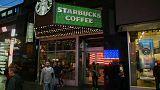 Starbucks toma medidas para combatir el racismo en sus cafeterías