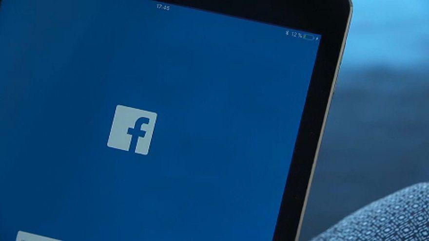 Betilthatják a Facebookot Oroszországban