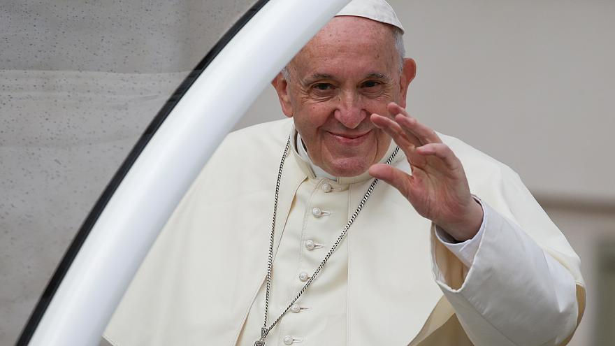 شاهد: البابا يتحدث عن طفلين مصابين بمرض خطير