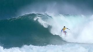 هجوم لأسماك القرش يتسبب بإلغاء مسابقات ركوب الأمواج بأستراليا