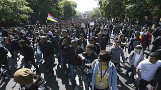 Bársonyos forradalmat hirdettek Örményországban