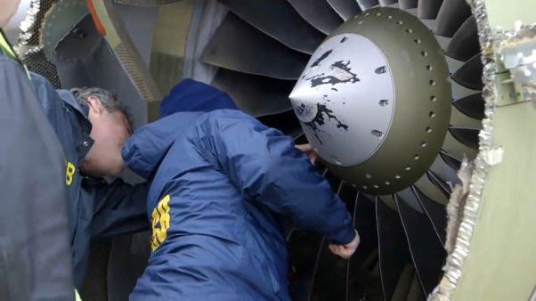 Estados Unidos examina los motores de sus aviones
