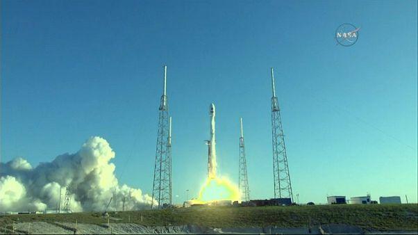 """In orbita il nuovo """"cacciatore di pianeti"""" della Nasa"""