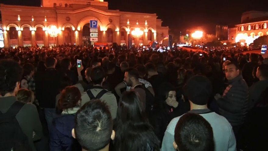 رهبر اپوزیسیون ارمنستان خواستار انقلاب مخملی آرام شد