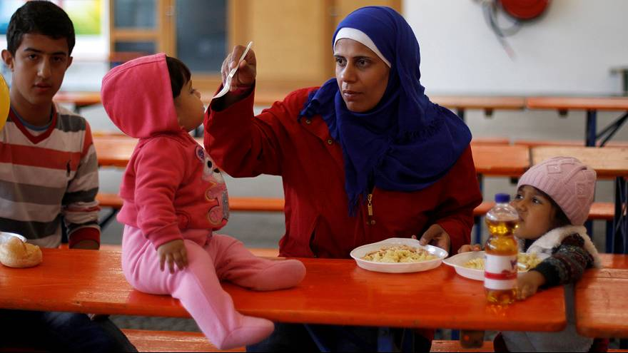 Több mint tízezer újabb menekültet fogad be Németország