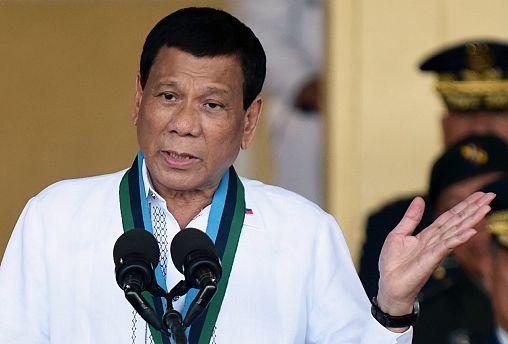 الفلبين تعين قادة الحرب على المخدرات في مراكز عليا