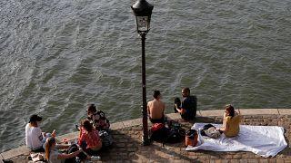 Июльская жара в Париже