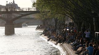 Párizsba szökött a nyár