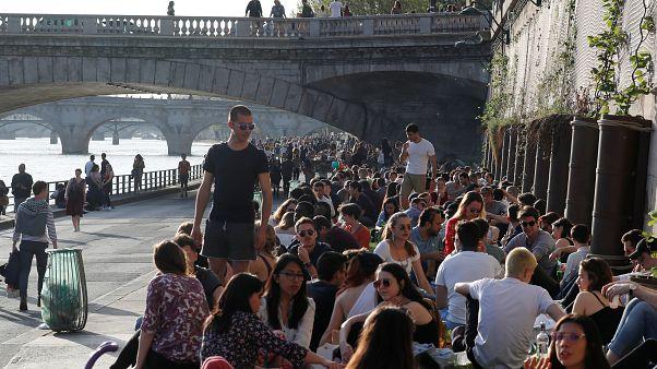 Καλοκαιρινός ο καιρός στο Παρίσι
