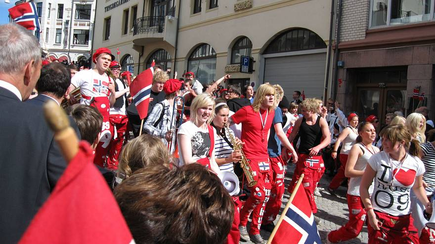 'No sex on roundabouts' Norwegian authorities tell high school graduates