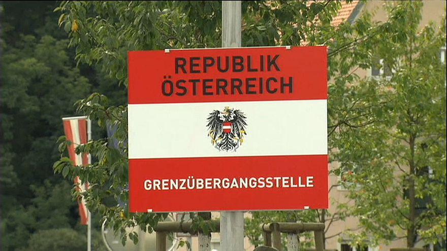 Австрия отнимет у мигрантов телефоны