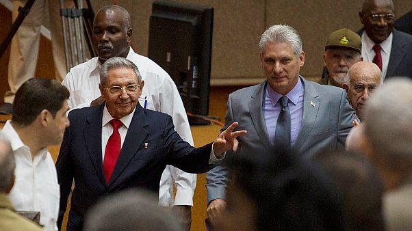 بعد قرابة الستين عاماً.. كوبا تخرج من تحت عباءة حكم عائلة كاسترو