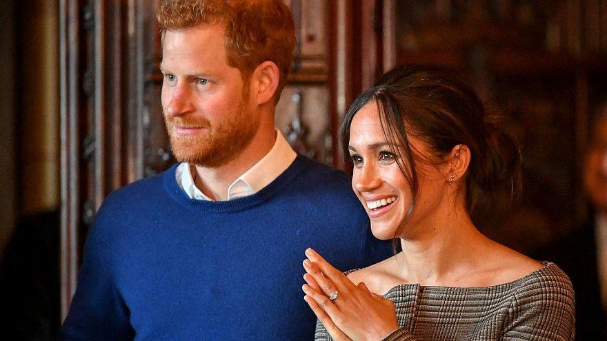 Sokkolta a hír, hogy meghívták a királyi esküvőre