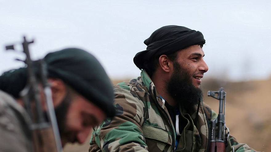 خاص: وفد روسي باليرموك واتفاق مبدئي بخروج داعش والنصرة من جنوب دمشق