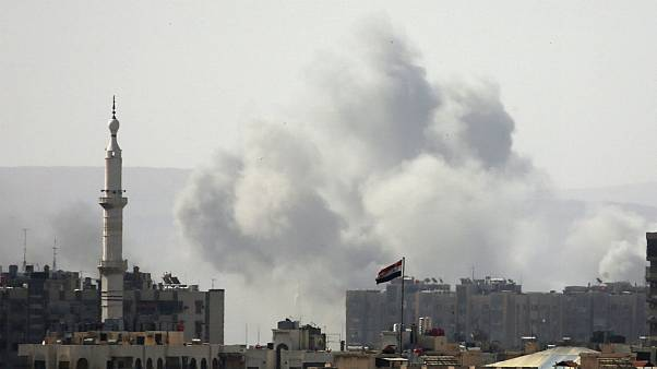بمباران اردوگاه یرموک توسط ارتش سوریه در جنوب دمشق
