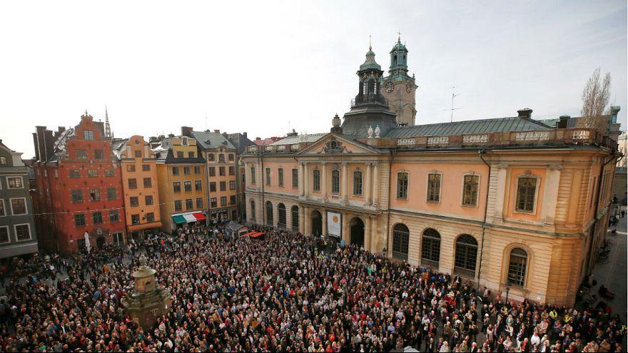 Kiálltak a lemondott akadémiai vezetőért Stockholmban