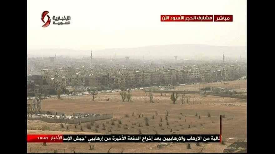 الطيران السوري يقصف مواقع مسلحين في اليرموك والحجر الأسود جنوب دمشق
