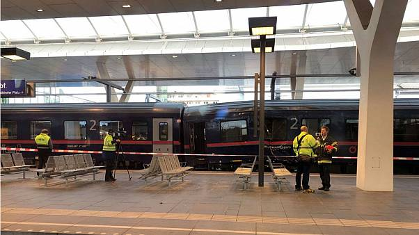 Ötven könnyebb sérült a salzburgi vonatbalesetben
