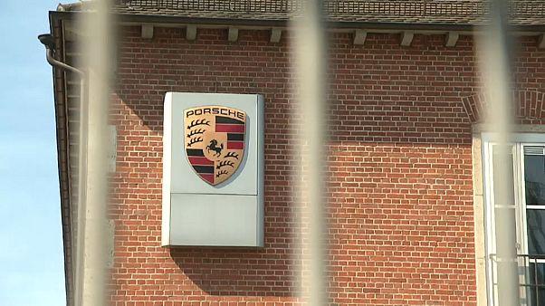 """Nach Diesel-Razzia: """"Hochrangiger"""" Porsche-Manager in U-Haft"""