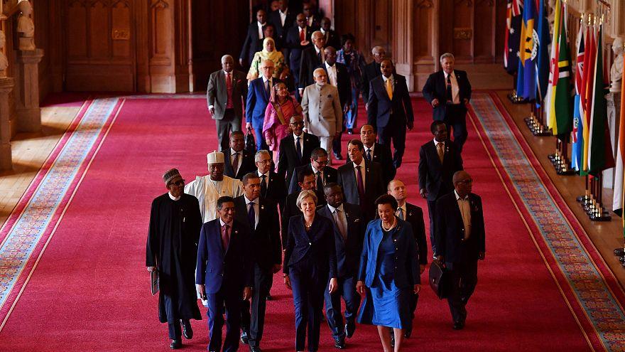 Главы правительств Содружества идут за британским премьером Терезой Мэй