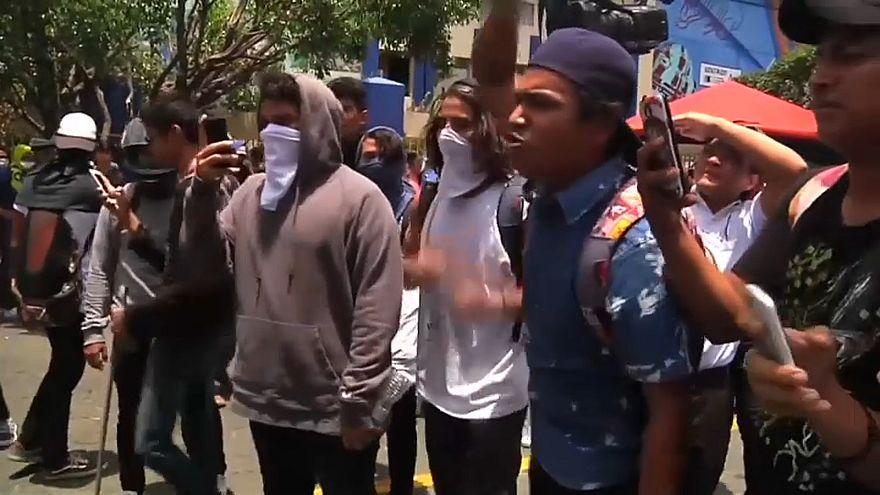 Straßenschlachten in Nicaragua