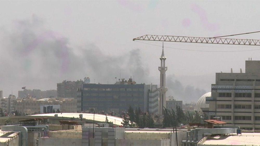 قيادي فلسطيني:  داعش  يوافق على الانسحاب من مخيم اليرموك وإجلاء المسلحين يبدأ غداً   Euronews