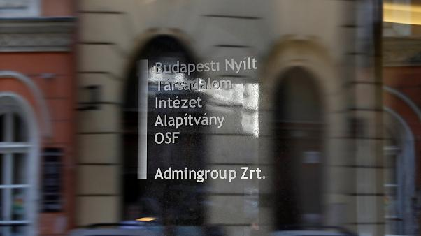 Фонд Сороса выживают из Венгрии