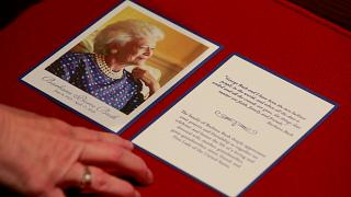 Λαϊκό προσκύνημα για την Μπάρμπαρα Μπους