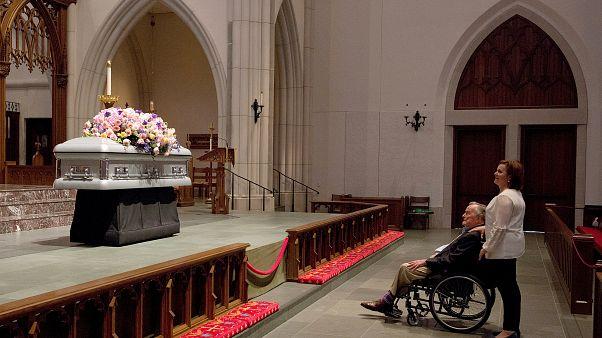 Прощание с Барбарой Буш