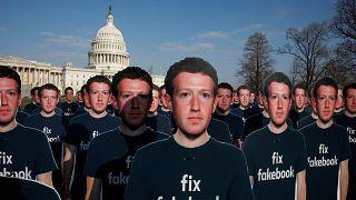 """ماذا لو كان """"فيسبوك"""" دولة؟"""